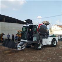 中首重工助力鄉村建設攪拌車混凝土攪拌機
